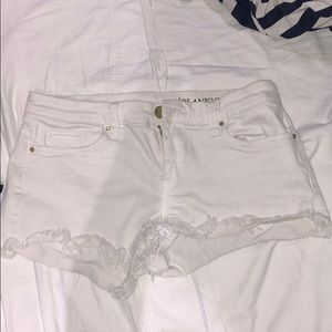 Blank nyc size 26 white jean shorts